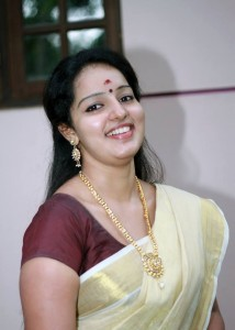 beautiful-smiling-pics-of-Malavika-Menon