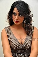 mahie-gill-hot-and-spicy-pics-07