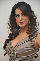 mahie-gill-hot-and-spicy-pics-12