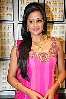 priyamani-latest-new-hot-stills-007