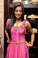 priyamani-latest-new-hot-stills-009