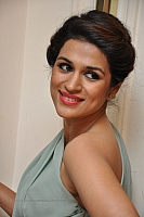 shraddha-das-hot-and-spicy-pics-10
