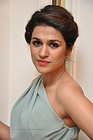 shraddha-das-hot-and-spicy-pics-12